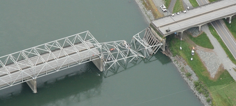 Washington State Faults Truck for I-5 Bridge Collapse